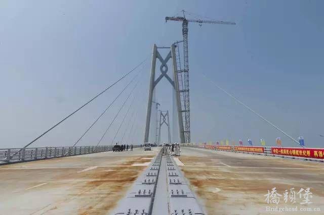 超级工程 港珠澳大桥主桥全线贯通